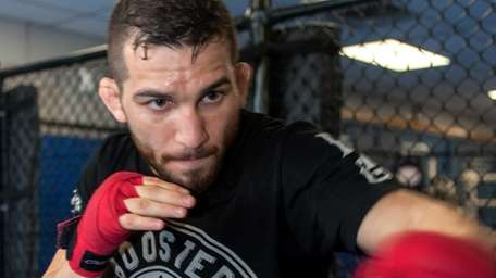 UFC fighter Alptekin Ozkilic trains at Bellmore Kickboxing