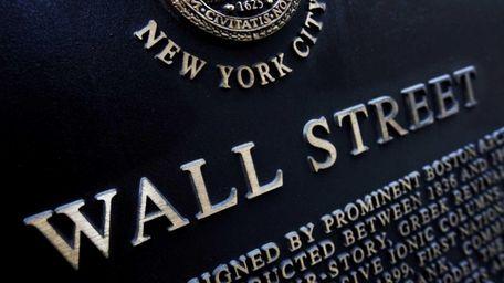 A historic marker on Wall Street in Manhattan