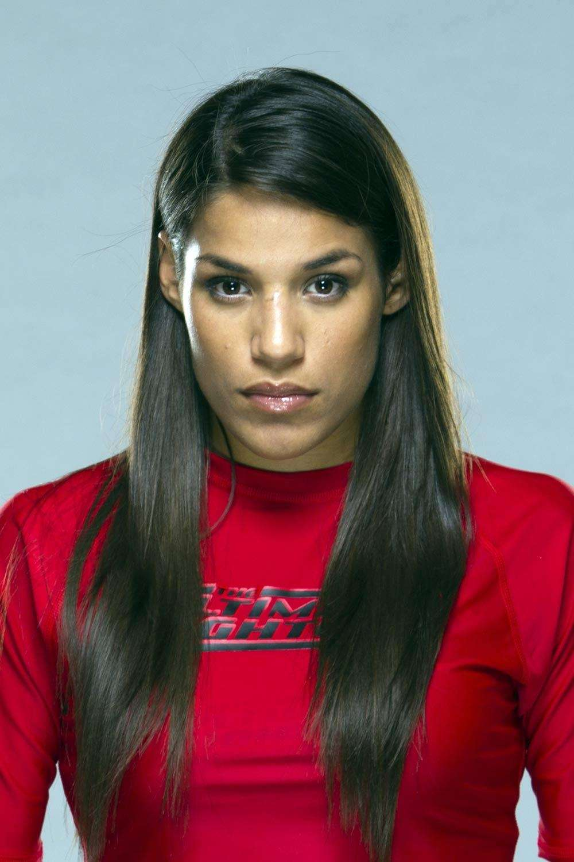 Season 18, women's bantamweight: Pena advanced to the