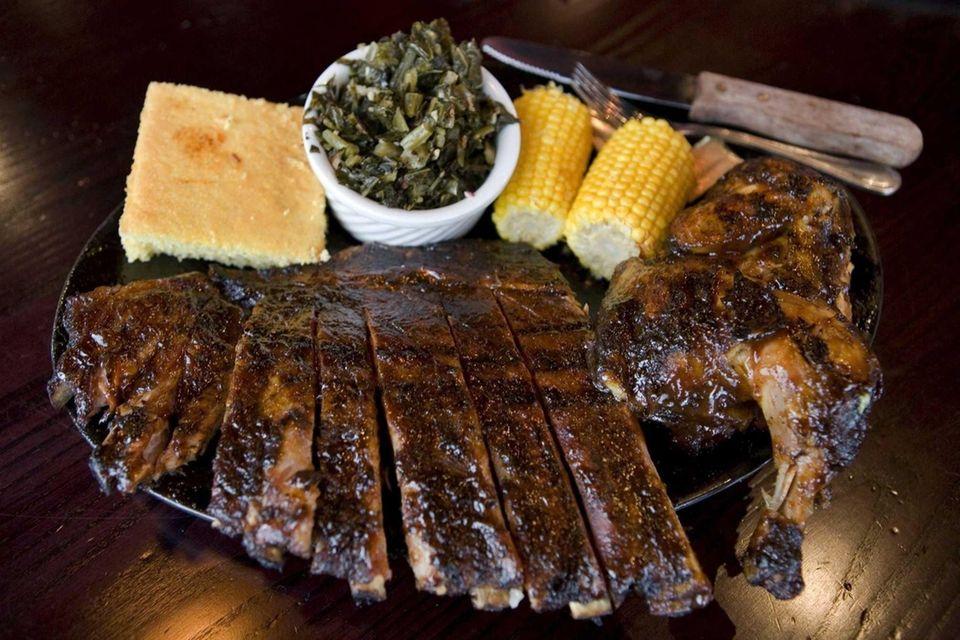 Smokin' Al's Famous BBQ Joint (4847 Merrick Rd.,