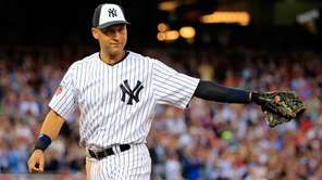 American League All-Star Derek Jeter acknowledges the crowd