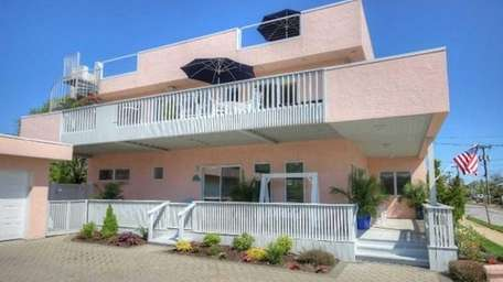 This Lido Beach house on the market for