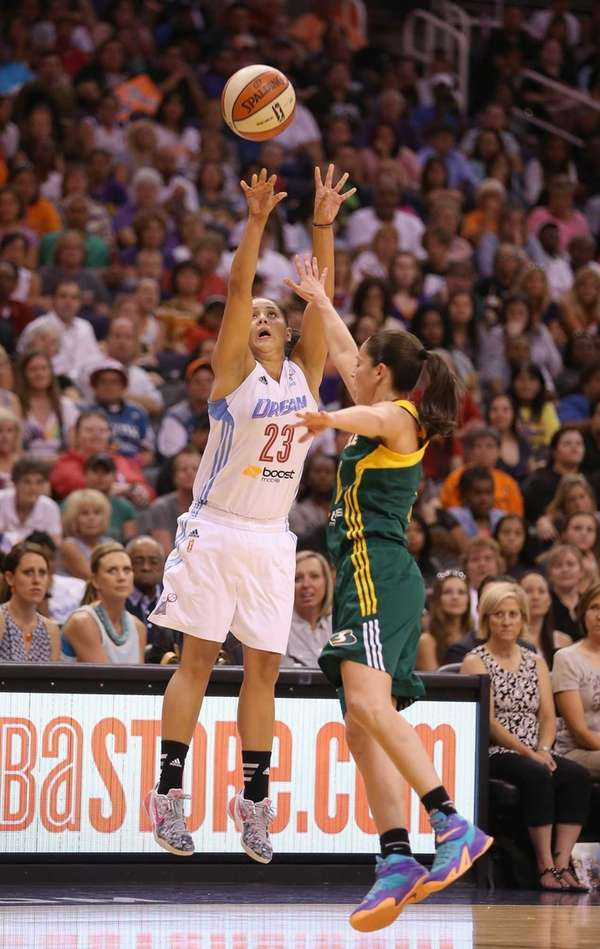 Eastern Conference All-Star Shoni Schimmel of the Atlanta