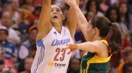 Eastern Conference All-Star Shoni Schimmel of the Atlanta
