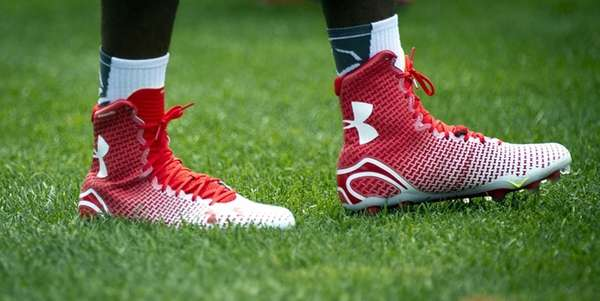 Giants CB Dominque Rodgers-Cromartie sports a different pair
