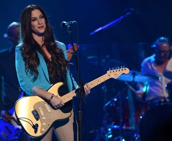Alanis Morissette performs at the MDA Show of