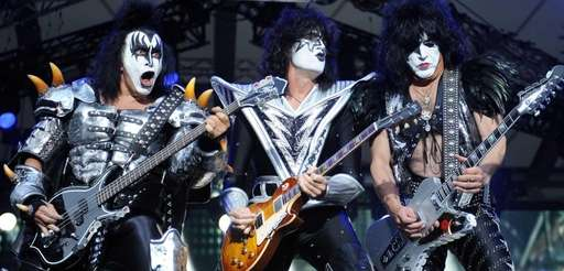 Bassist Gene Simmons, guitarist Tommy Thayer and singer