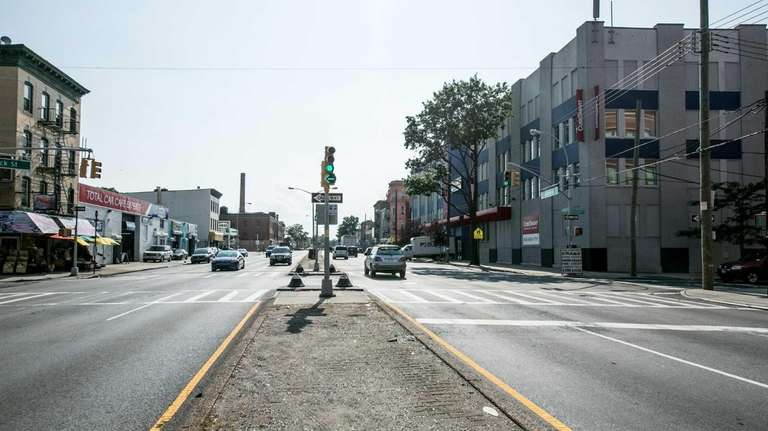 The intersection of Atlantic Avenue and Warwick St.