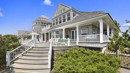The seven-bedroom oceanfront Quogue home of soap star