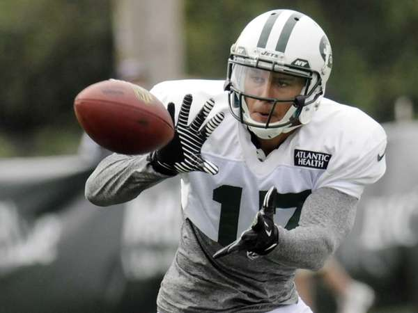 Jets wide receiver Greg Salas (17) catches a