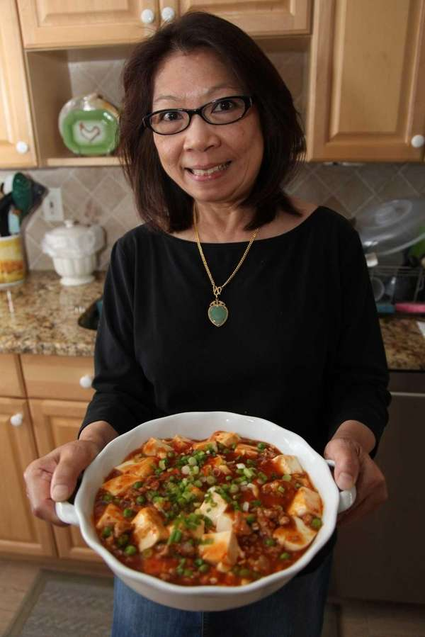 Judy Chan of Baldwin makes ma pao tofu,