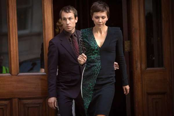 Tobias Menzies and Maggie Gyllenhaal in