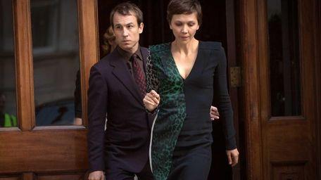 Tobias Menzies and Maggie Gyllenhaal in