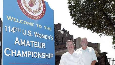 From left, Peter Quick, Club President and event