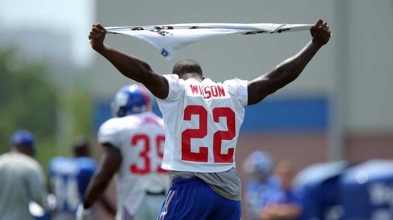 Giants running back David Wilson looks on during