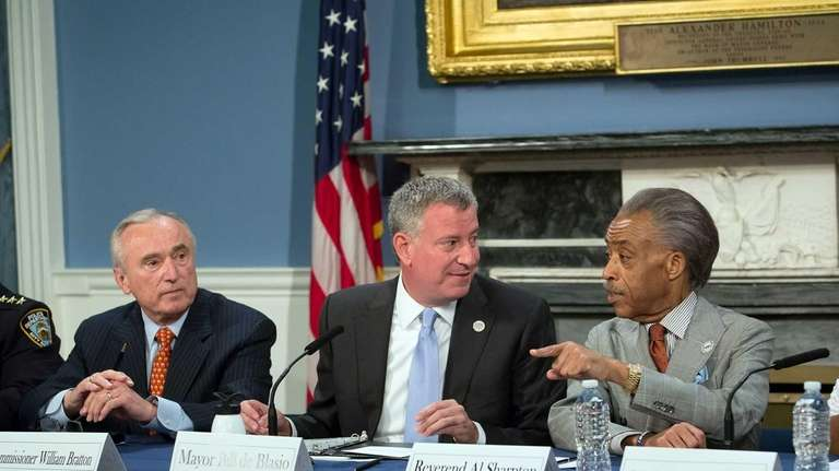 Mayor Bill de Blasio hosts a roundtable on