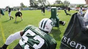 Jets inside linebacker Jeremiah George (53) during NFL