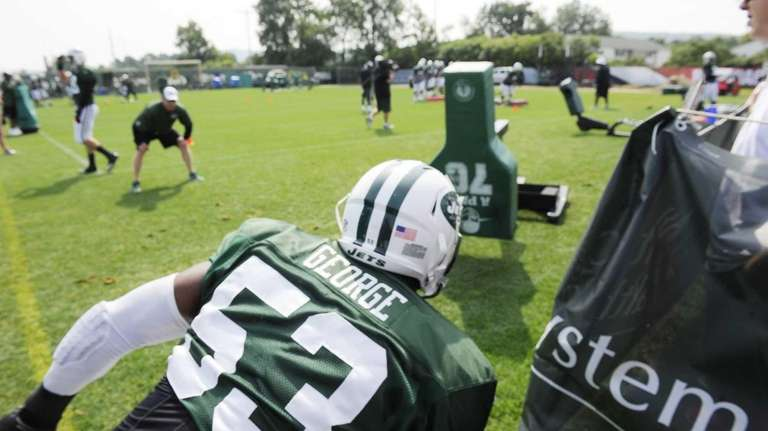 Jets inside linebacker Jeremiah George (53) during NFL