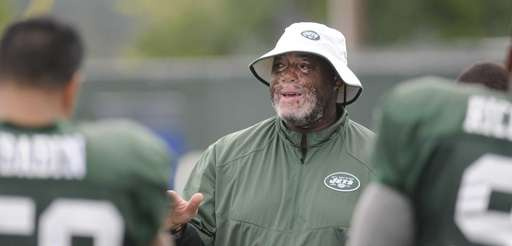 Jets' defensive line coach Karl Dunbar during NFL
