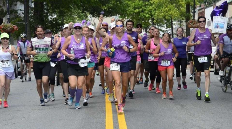 Eva Casale, of Glen Cove, leads a pack