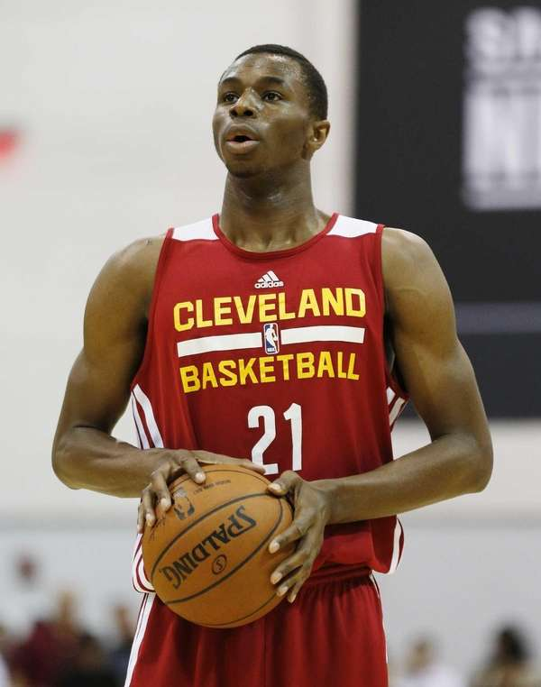 Andrew Wiggins of the Cleveland Cavaliers prepares to