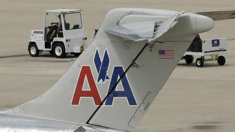 An American Airlines McDonnell Douglas MD-82 sits at