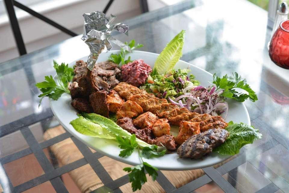 The mixed kebab plate includes lamb and chicken