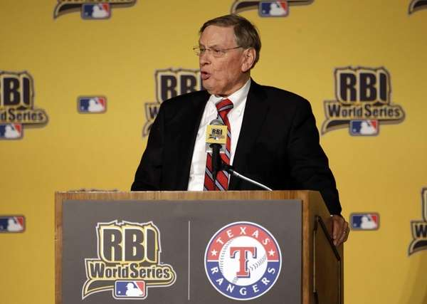 Baseball Commissioner Bud Selig speaks at the 2014