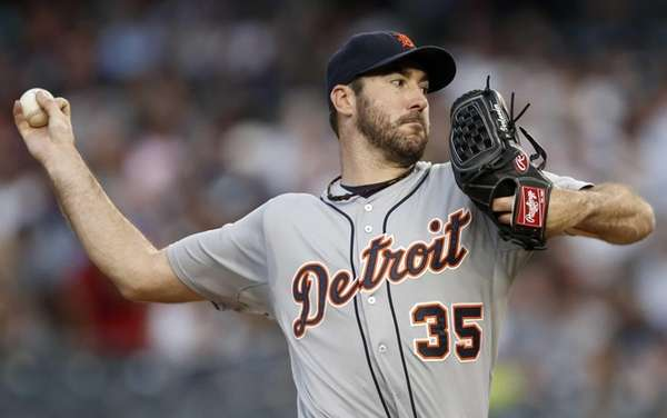 Detroit Tigers starting pitcher Justin Verlander delivers in