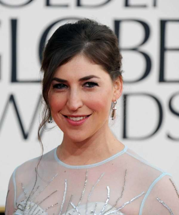 Mayim Bialik arrives at the 70th Golden Globe