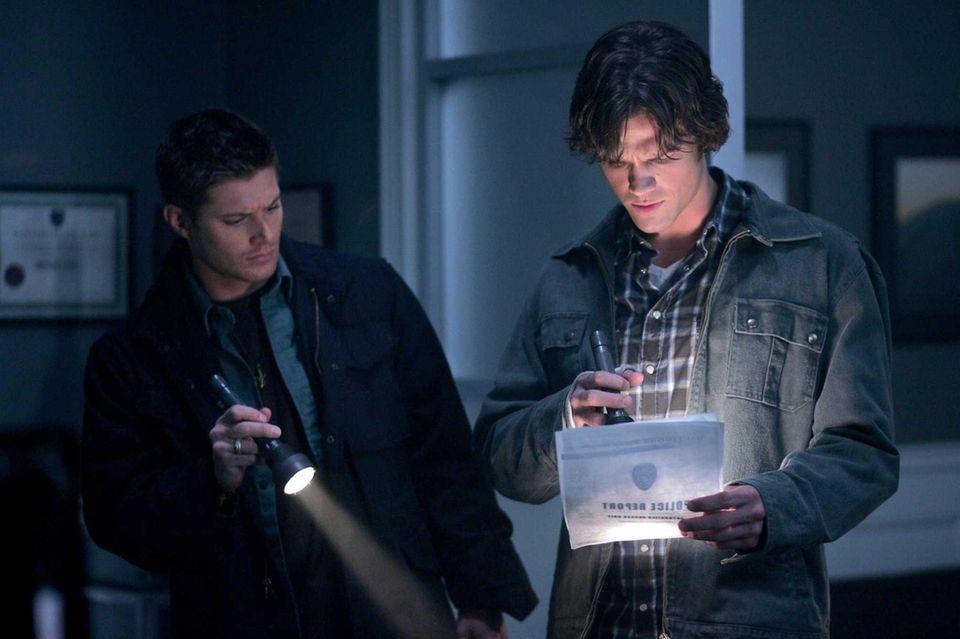 Sam (Jared Padalecki) and Dean (Jensen Ackles) travel