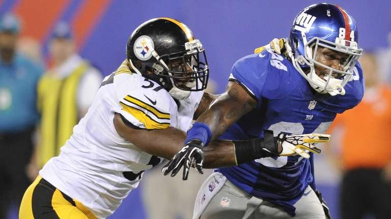 Giants tight end Larry Donnell (84) runs a