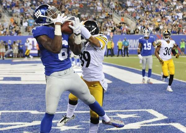 Giants wide receiver Corey Washington makes a catch