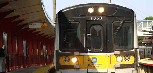 A train at the Syosset station on the