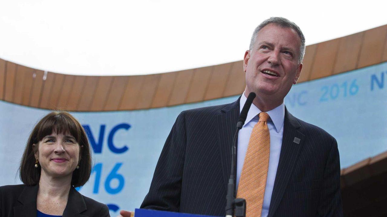 New York Mayor Bill de Blasio discusses New