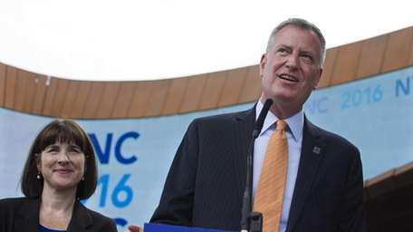 New York Mayor Bill de Blasio discusses New