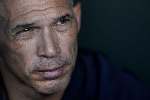 Yankees manager Joe Girardi speaks to members of