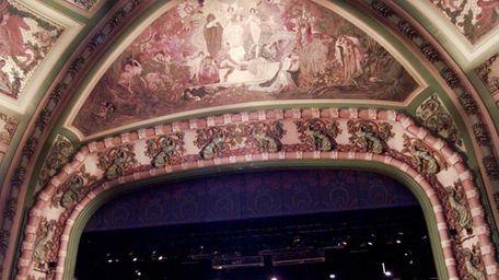 The New Amsterdam Theatre opens for a press