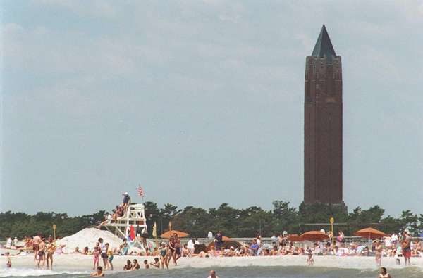 You can spot this famous 231-foot structure from