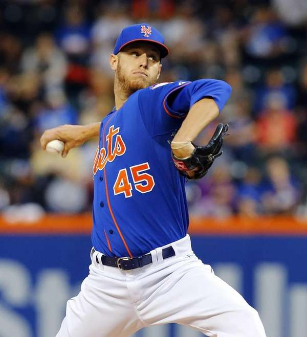 Zack Wheeler of the Mets pitches in the