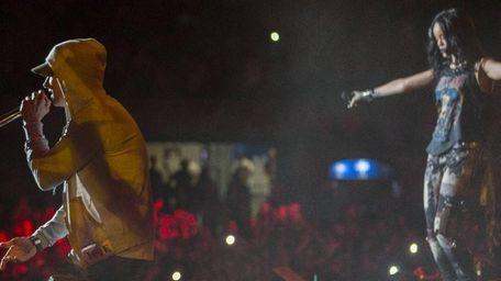 Eminem and Rihanna perform at MetLife Stadium on