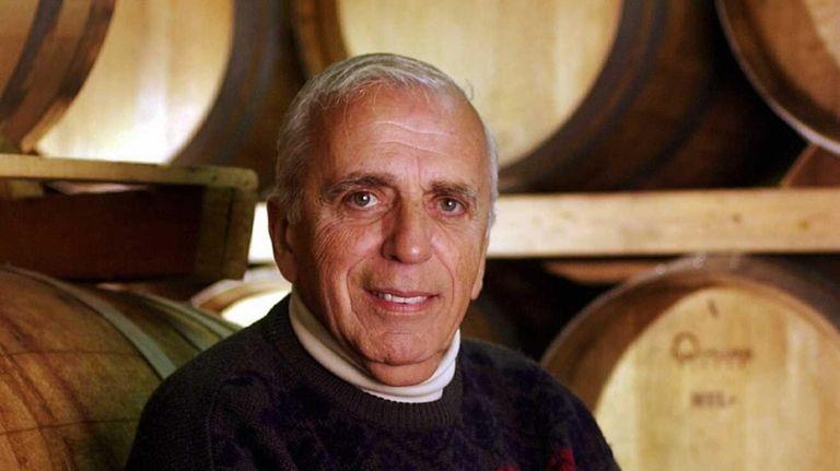Herodotus Damianos, the founder of Pindar Vineyards in