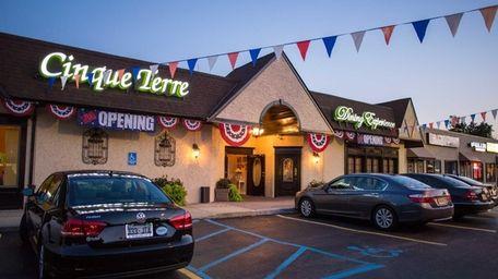 Italian restaurant Cinque Terre in Huntington Station will