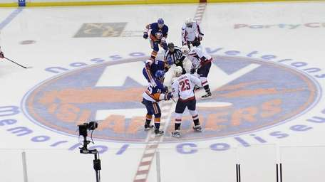 The Islanders face off against the Washington Capitals