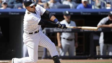Yankees' Martin Prado hits a two-run double to