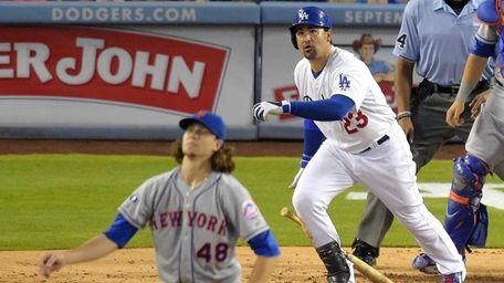 Los Angeles Dodgers' Adrian Gonzalez and Mets starting