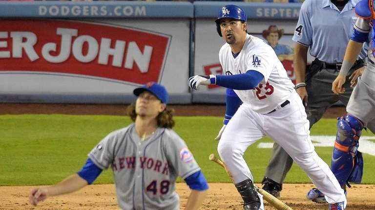 Los Angeles Dodgers' Adrian Gonzalez and Mets starting