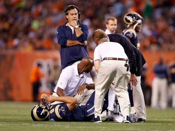 Sam Bradford #8 of the St. Louis Rams