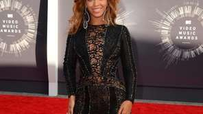 Beyonce arrives at the MTV Video Music Awards