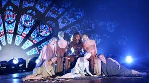 Beyonce performs at the MTV Video Music Awards